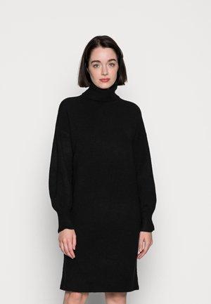 PCFABIA HIGH NECK  - Strikket kjole - black