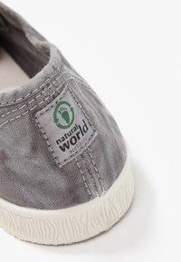 Natural World - INGLES - Scarpe senza lacci - gris enz - 2