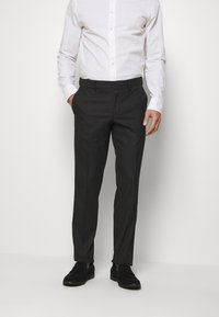 Isaac Dewhirst - RECYCLED TUX SLIM FIT - Completo - black - 4
