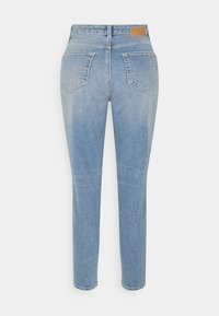 Pieces Petite - PCLEAH - Slim fit jeans - light blue denim - 1