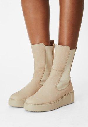 Platform ankle boots - almond