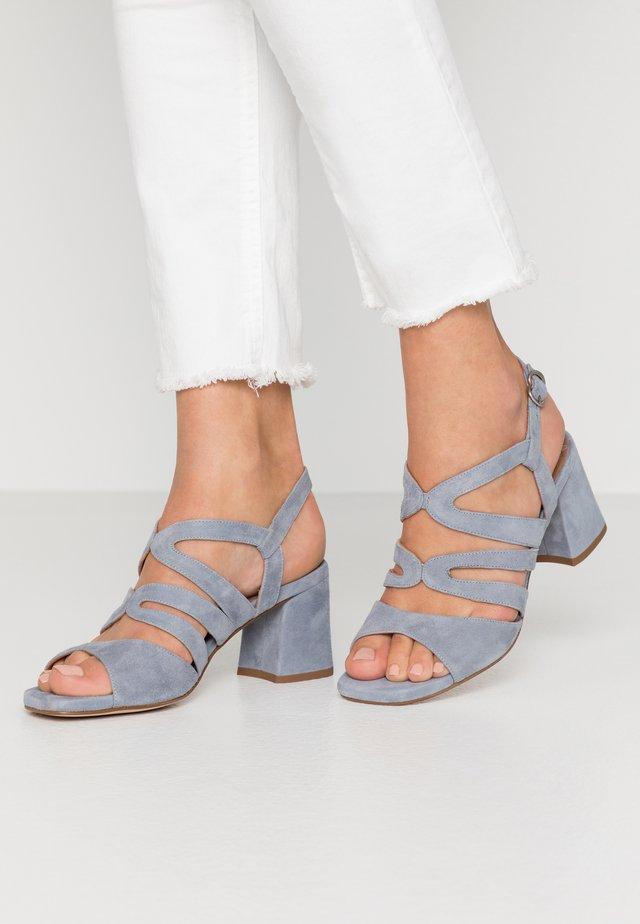 Sandals - amalfi sky