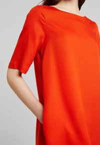 Kings Of Indigo - TEN - Sukienka letnia - burnt orange - 5