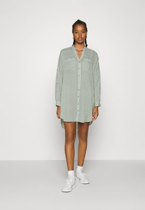 VMBECKY FOLD UP - Shirt dress - laurel wreath/bumby snow shite