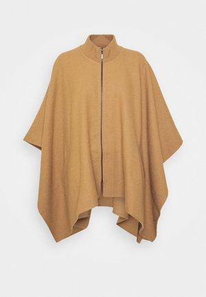 NOME - Cape - kamel