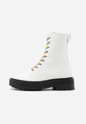 PRIDE - Platform ankle boots - white