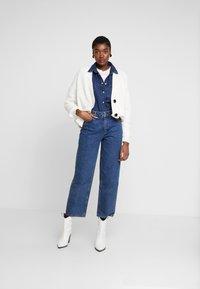Moss Copenhagen - CRYSTAL - Straight leg jeans - mid blue wash - 1