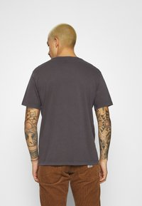 Levi's® - RELAXED FIT TEE UNISEX - T-shirt print - anthracite/black - 2