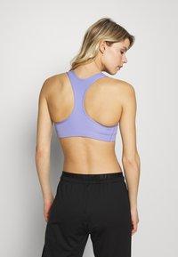 Nike Performance - BRA NON PAD - Sport BH - light thistle/black - 2