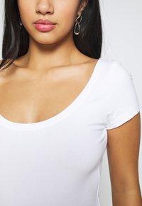 Anna Field Petite - 3 PACK - T-shirt basic - white/black/dark grey - 5