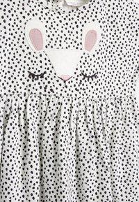 Next - BUNNY FACE - Denní šaty - white/black - 3
