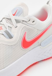 Nike Performance - REACT MILER - Neutral running shoes - platinum tint/bright crimson - 5