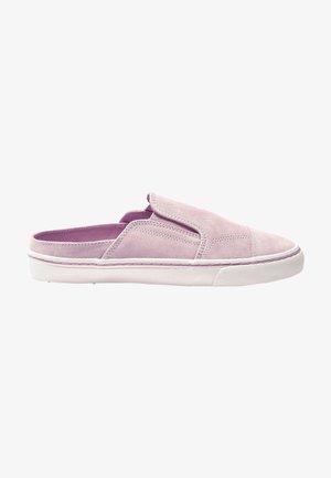 Slip-ons - lilac