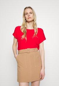 s.Oliver - T-shirt z nadrukiem - red - 0