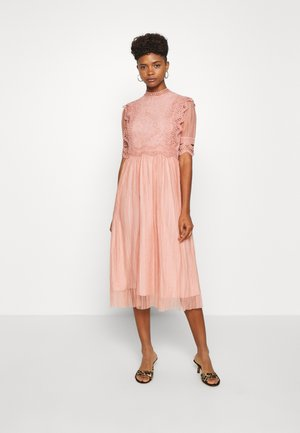 YASSOPHIA MIDI DRESS - Sukienka koktajlowa - misty rose
