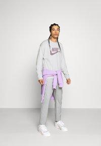 Nike Sportswear - Sweatshirt - pure - 1