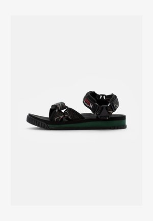 NEO CLIMBING - Sandals - earth triangle