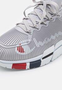 Champion - LOW CUT SHOE LANDER CAGE - Chaussures d'entraînement et de fitness - grey - 5