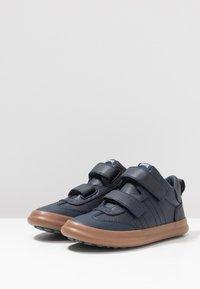 Camper - PURSUIT KIDS - Touch-strap shoes - navy - 3