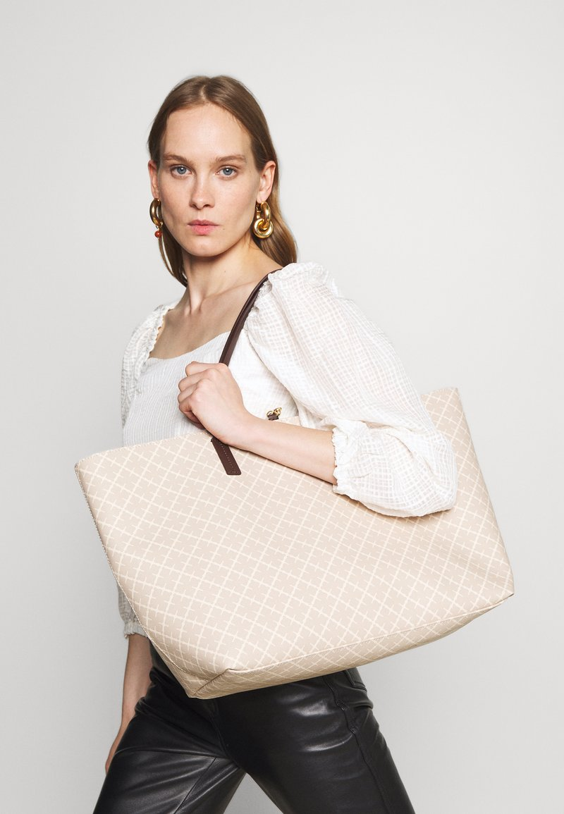 By Malene Birger - ABI TOTE - Tote bag - feather