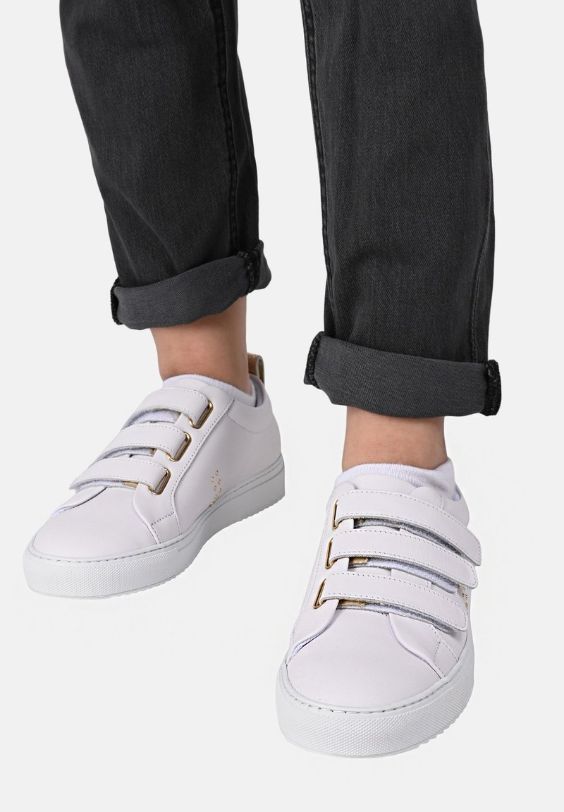 M. Moustache - MMB11A00M-A11 - Sneakers laag - white gold