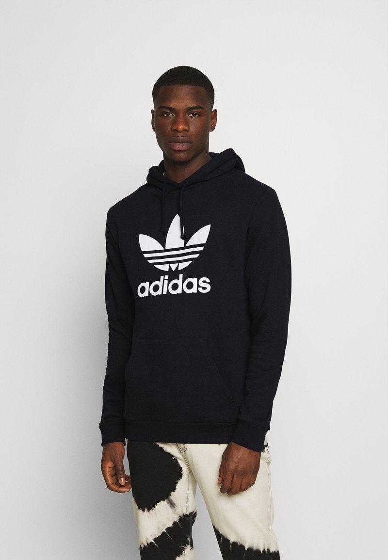 adidas Originals - TREFOIL HOODY ORIGINALS ADICOLOR SWEATSHIRT HOODIE - Luvtröja - black/white