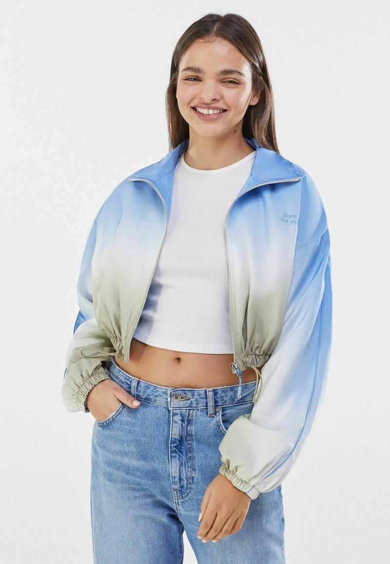 Bershka - Light jacket - khaki