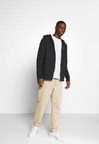 Tommy Jeans - CLASSICS ZIPTHROUGH - Mikina na zip - black - 1