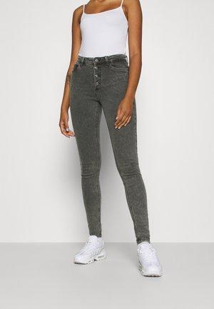 NMCALLIE CHIC - Jeansy Skinny Fit - black