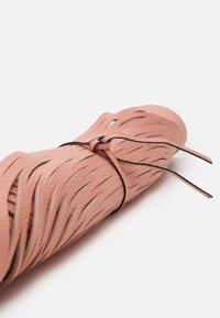 Abro - BEUTEL NETZ - Käsilaukku - salmon - 2