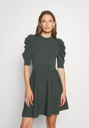 LLORNA EXTREME SLEEVE SKATER DRESS - Pletené šaty - dark green