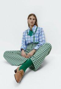 Uterqüe - Button-down blouse - blue denim - 4