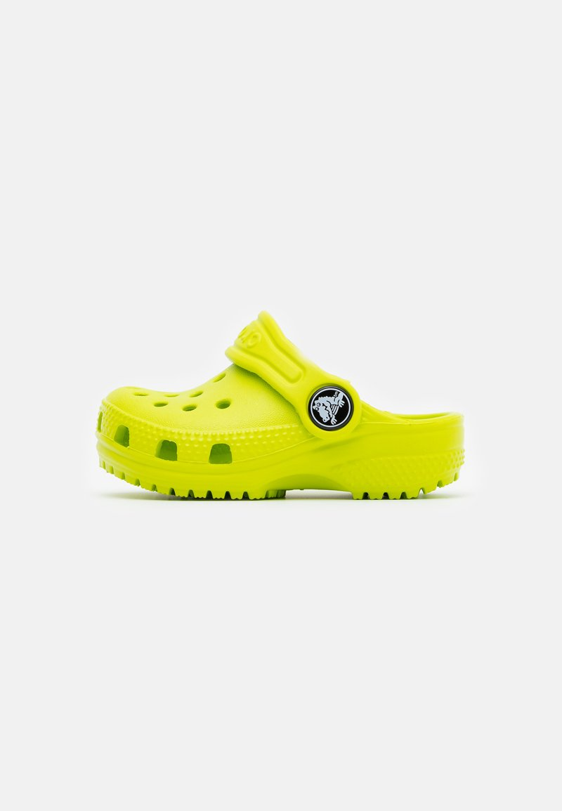Crocs - CLASSIC - Sandały kąpielowe - lime punch