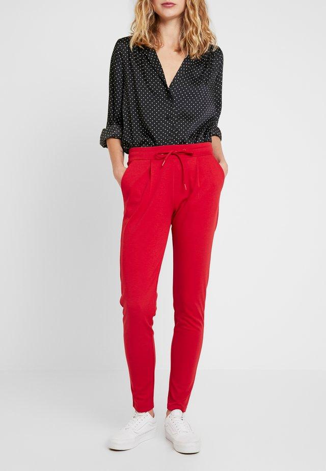KATE - Teplákové kalhoty - scarlet sage