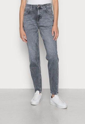 FREJA - Straight leg jeans - pigeon mid grey