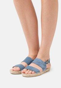 JUTELAUNE - STRIPE  - Sandals - jeans - 0