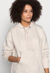 Chelsea Peers - Pyjama top - beige - 3