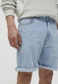 PULL&BEAR - Jeans Short / cowboy shorts - blue-black denim - 3