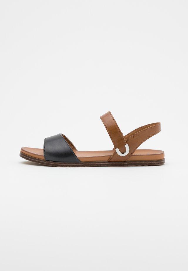 Sandaalit nilkkaremmillä - ocean/nut