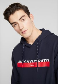 Antony Morato - HOOD DOUBLE COULISSE AND FRONT LOGO PRINT - Hoodie - ink blue - 3
