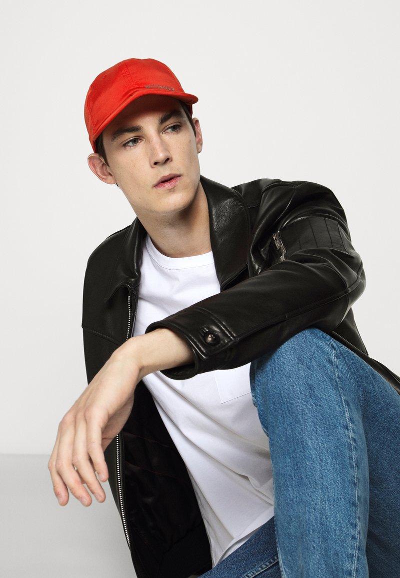 Bogner - LEE - Caps - red