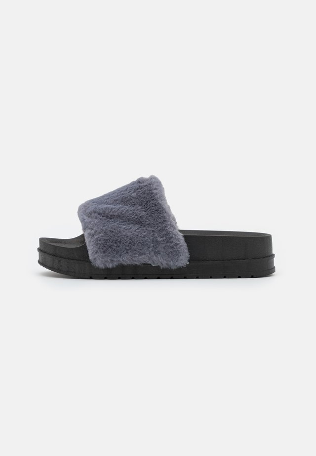 BOSSY - Chaussons - blue