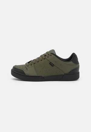 JACKET II - Cycling shoes - olive/black