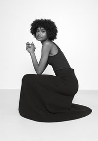 CLOSED - AGDA - Maxi skirt - black - 3