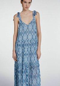 SET - MIT TIE-DYE PRINT - Maxi dress - white blue - 3