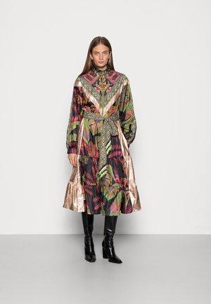 TROPICAL FOREST METALLIC MIDI DRESS - Day dress - mottled olive