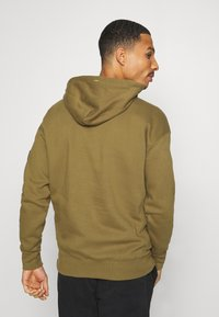 Champion - LEGACY CONTEMPORARY MODERN HOODED - Hoodie - olive - 2