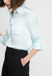 Banana Republic - DILLON UTILITY SOFT - Button-down blouse - mint - 5