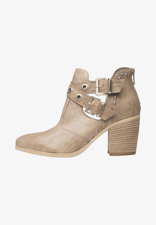 Cowboy/biker ankle boot - champagne