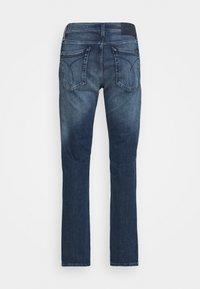 Calvin Klein Jeans - STRAIGHT FIT - Straight leg jeans - denim dark - 1